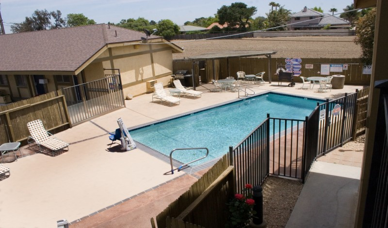 Keefers Inn King City - Seasonal Heated Pool